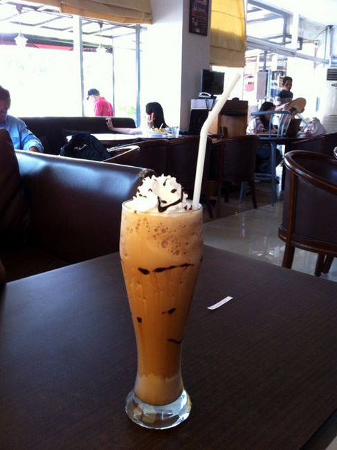chicco di cafe frappe.jpg