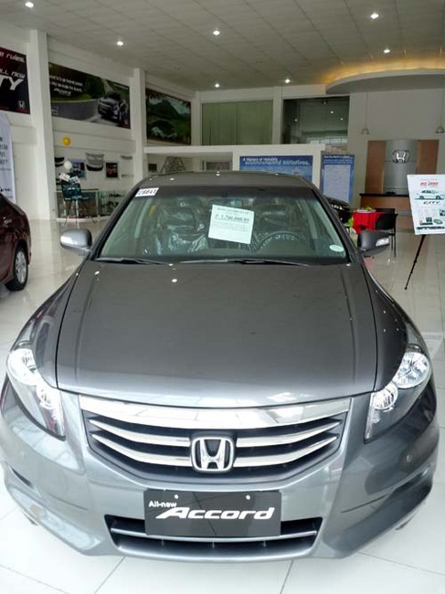 honda accord 1.7.jpg