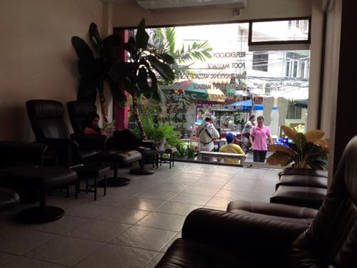 thai massage singaprian.jpg